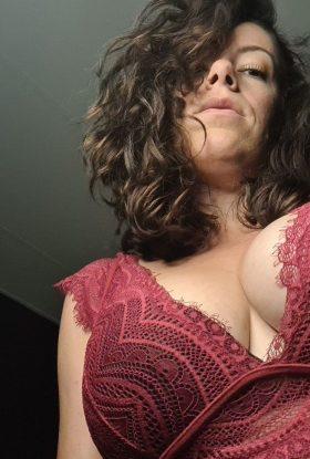 Chloe Red